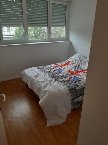 Chambre (lit 2 personnes)