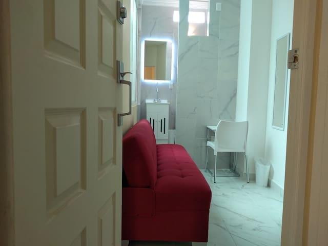 """""""Londres"""" Studio con sofá-cama p 1 per. HOSPITALES"""