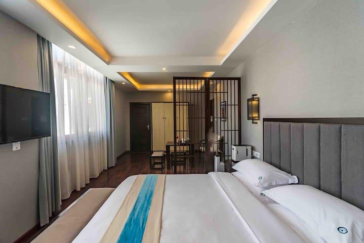全景地暖民宿里的观景布达拉宫供氧套房