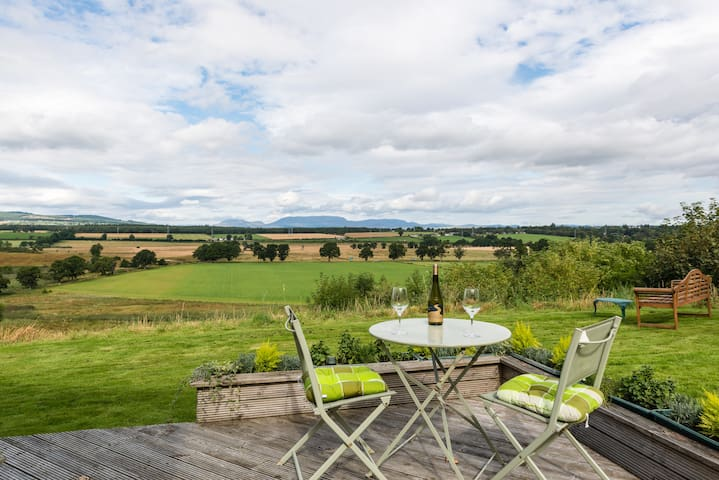 Cottage with view, near Inverness - Cabrich, Nr Beauly