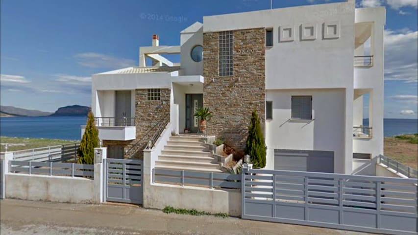 Aggeliki | House by the sea