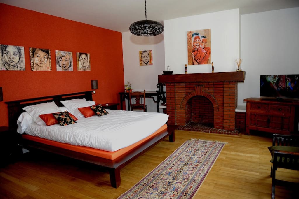 Chambre jeanne bed and breakfasts for rent in beauvais for Chambre beauvais