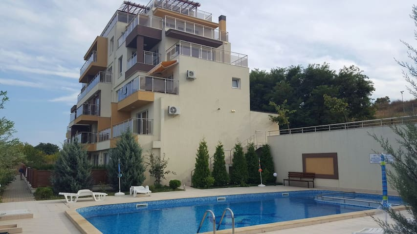 Sunny apartment with a sea view! - Byala