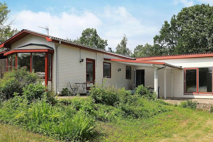 Amplia casa de vacaciones en Syddanmark con jardín