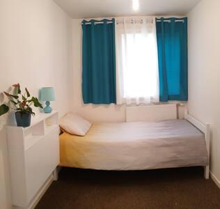 Single Room Near Heathrow Airport