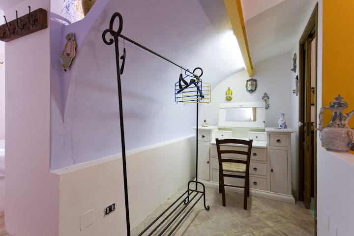 Cabina Armadio Piccola Zingara : Cinisi terrasini 2018 with photos : top 20 places to stay in cinisi