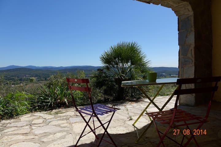 Studio dans villa proche de la mer - Solliès-Ville - Villa