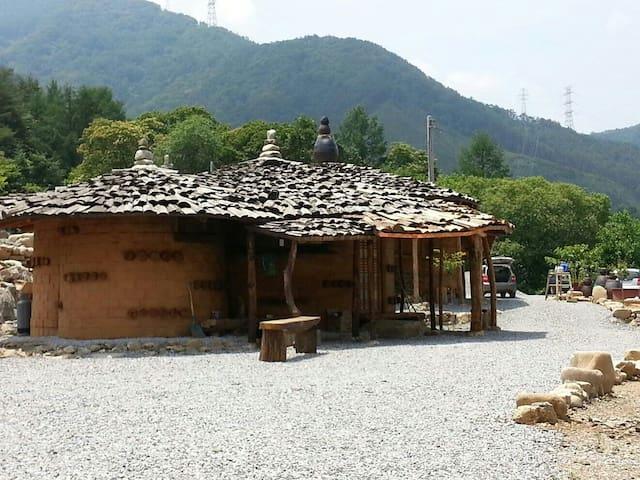 토우마루펜션 - Hwaam-myeon, Jeongseon-gun - Casa cueva