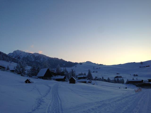 Gemütliche 3-Zimmer-Wohnung (4 Pers.) in den Alpen