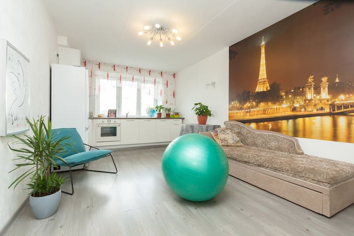 Cozy apartment with amazing view - Yekaterinburg - อพาร์ทเมนท์