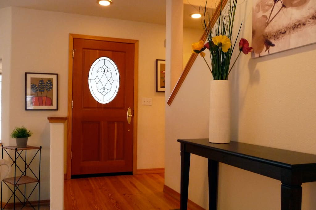 Elegant Entry Way Welcomes Your to the House