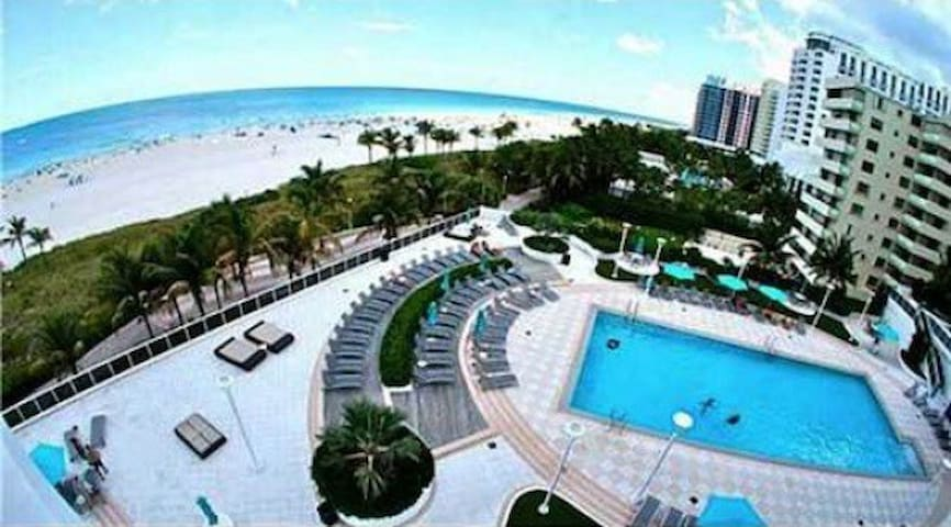 BEAUTIFUL SOUTH BEACH CONDO  TAX#BTR (Phone number hidden by Airbnb)
