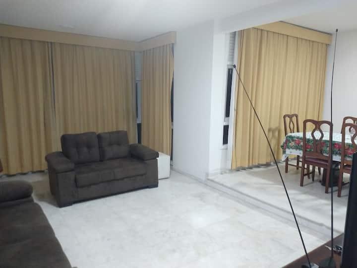 Apartamento grande com vista para o Porto da Barra