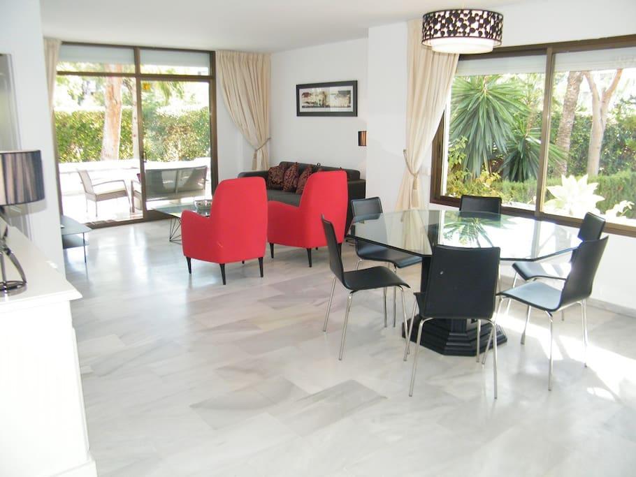 Bright, spacious, sparkling, living area