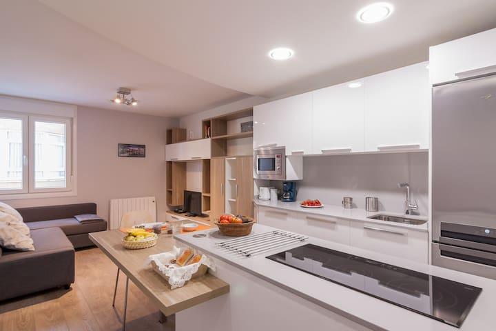 Moderno Apto Centro (100% renovado) - Santander - Apartamento