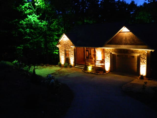 Clear View Lodge-*Custom*Cozy*Mtns - Lakemont - Talo