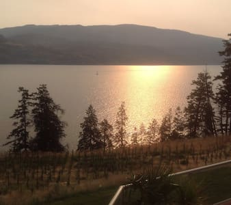 Luxury Retreat on Okanagan Lake  - Lakás