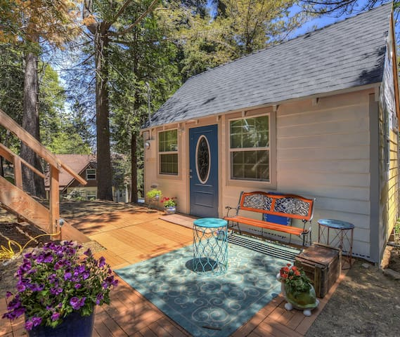 Welcome to the newly renovated 1926 Bugsy Siegel Cottage nested on a 14,000 sf lot in the midst of trees and serenity.  The Cottage is located below street level providing a unique private space with a lovely courtyard and outdoor space.
