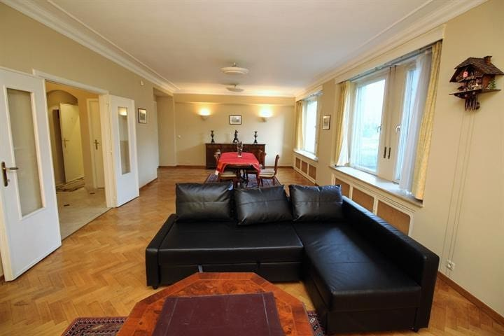 120Sqm apt 15 mins grand place in a great commune - Woluwe-Saint-Pierre - Lägenhet