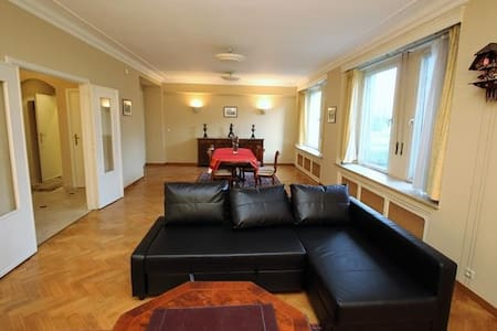 120Sqm apt 15 mins grand place in a great commune - Woluwe-Saint-Pierre - อพาร์ทเมนท์