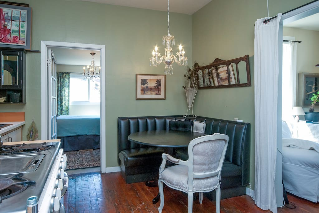 Your private, Vintage Edwardian kitchen with all the modern comforts!  Espresso/coffee maker, washer/dryer, vintage gas stove, cuisinart, blender, toaster, large fridge.