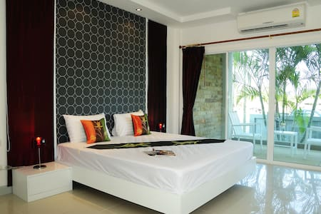 Family 2 BD Suite Apt w/ Breakfast - Thalang