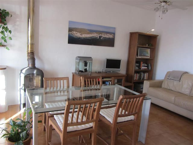 Peaceful, comfortable apartment with sea views - Es Mercadal - Byt