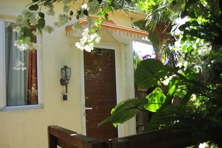Studio Mason, idyllic country setting. - Anse Jonchee