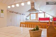 Wohn/Schlafzimmer mit Balkon