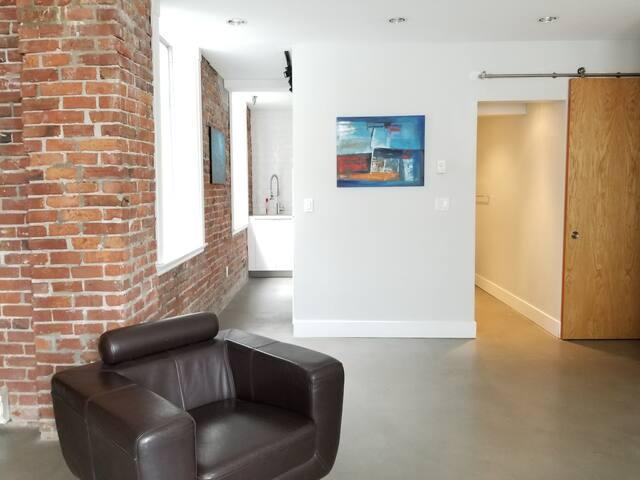 Gastown Studio Loft