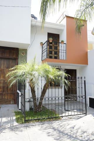 Airbnb La Giralda Rentas Vacacionales Y Lugares Para