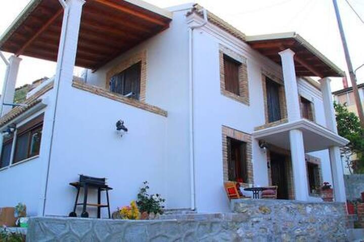 The Stone House-Moraitika
