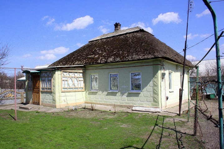 The house in the historic region - Petrykivka - Huis