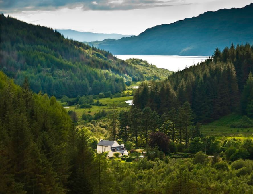 Glenhurich Lodge set between Loch Doilett and the banks of Loch Shiel