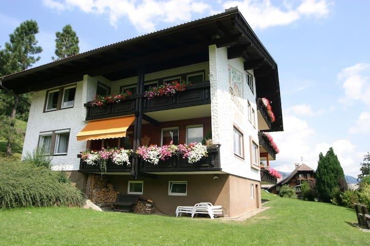 Appartement doté d'une superbe vue, au sud de Verditz
