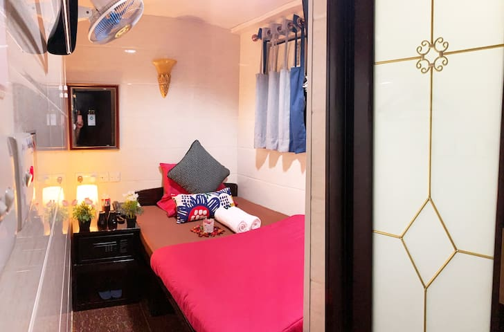 Sydney Hostel Standard Double Room #6