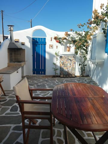 HOME BY THE SEA - Paros - Rumah