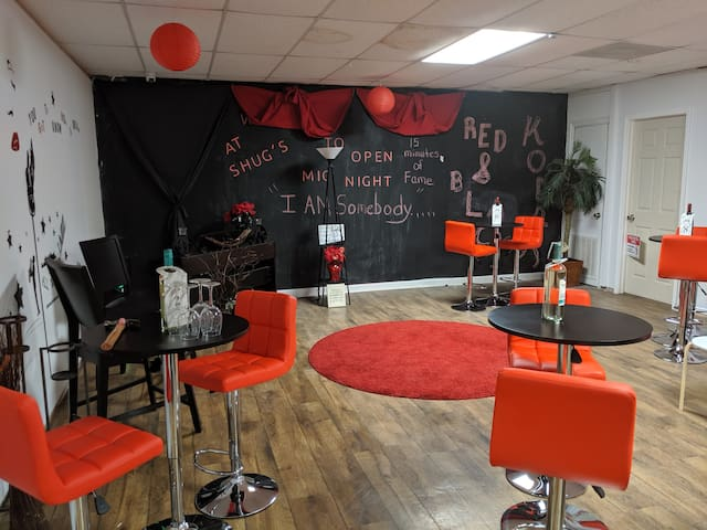 Red and Black Kodak Event Lounge (Hourly rate)
