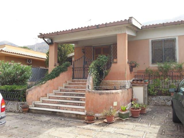 Villa Rosa - Palermo - Huvila