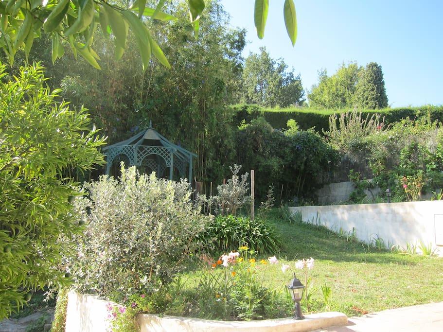 Un crin de verdure pour 2 5 pers maisons louer saint paul de vence provence alpes c te - Une maison un jardin saez saint paul ...