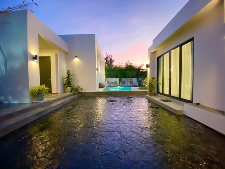 THE GREAT HOUSE pool villa