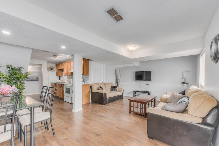 **Bright 2 Bedroom Walkout Basement Suite in NW**
