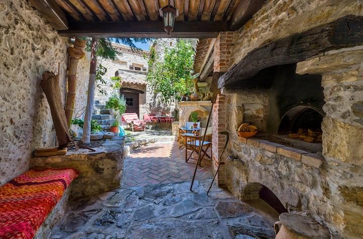 Meronas Eco House  Traditional Villa