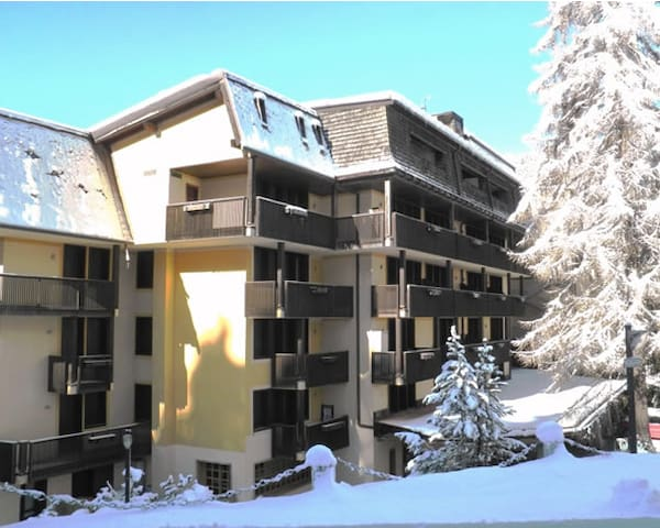 Sunny, family friendly flat - Madonna di Campiglio - Bed & Breakfast