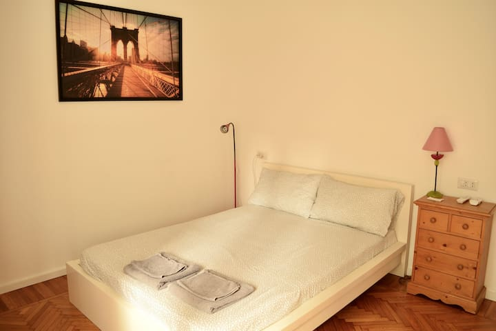 New private Bedroom with bathroom  close to Duomo