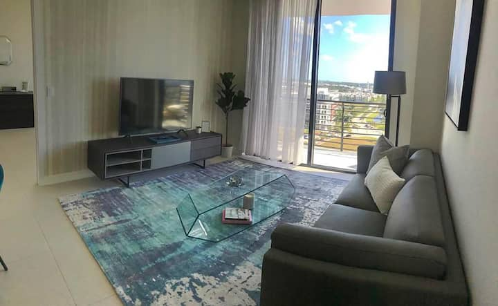 Luxury 3BD/3BT Apartment in Downtown Doral