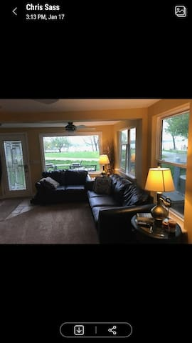 Beautifully Updated Lake Home Sleeps 7 Boats incl