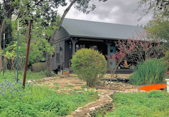 Grey Forest Vineyard Cabin--Pool, Views & Charm!