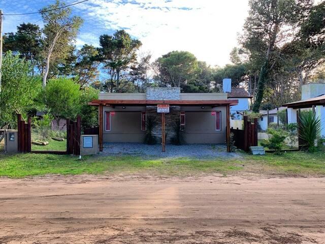 Casa/Deptos Las Frisias N°2 - Valeria Del Mar