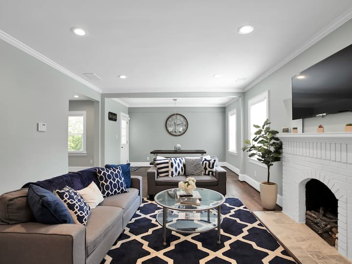 Bright & Modern  Renovation in Convenient Location
